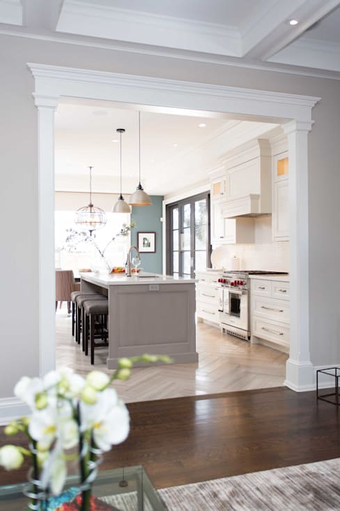 Texture and style:  Kitchen by Frahm Interiors