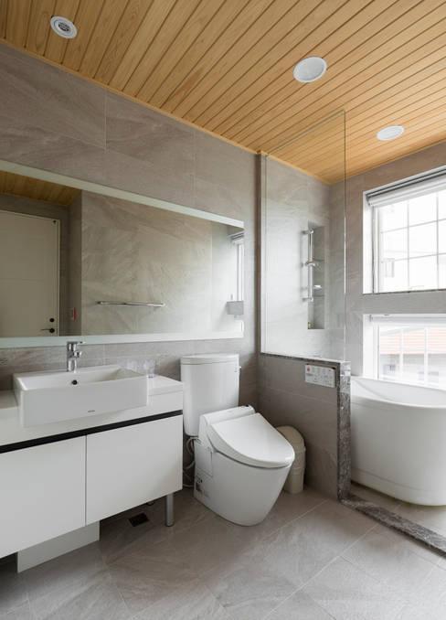宜蘭健康屋 義式、美式:  浴室 by 耀昀創意設計有限公司/Alfonso Ideas