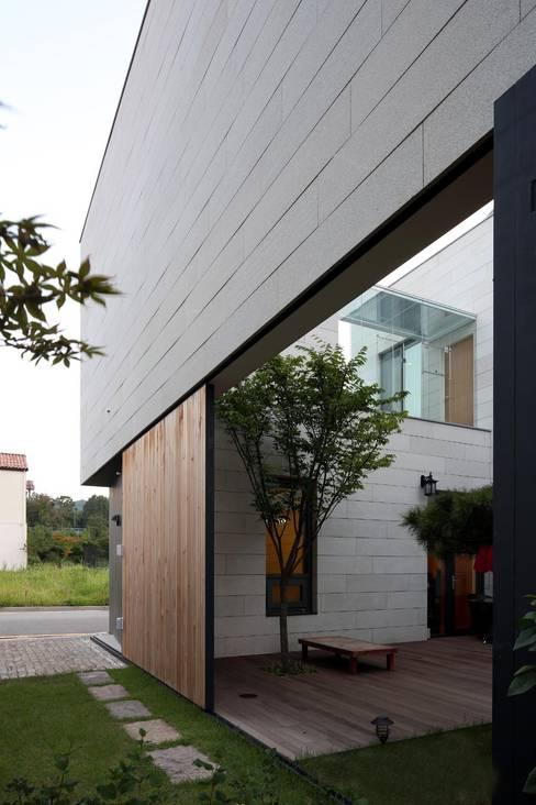 Maisons de style  par 아키누스(건축동인) 건축사사무소