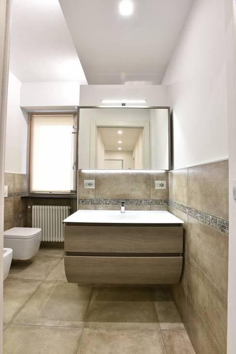 Bathroom by architetto Davide Fornero