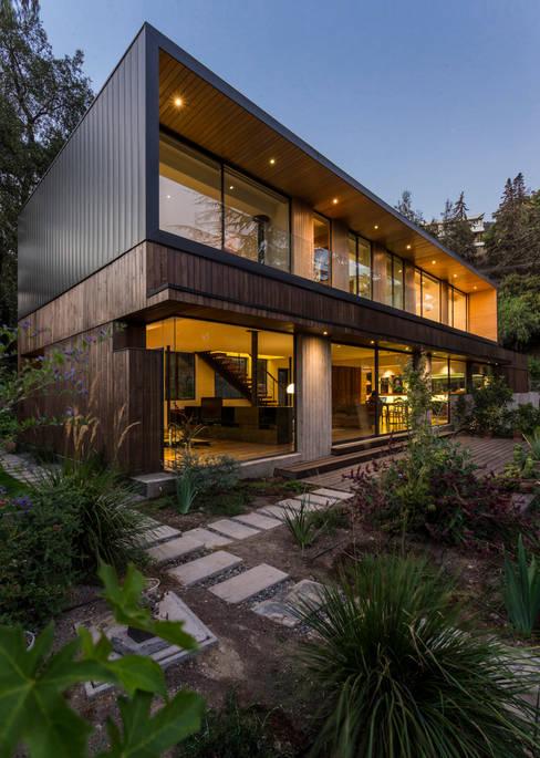 Houses by Nicolas Loi + Arquitectos Asociados