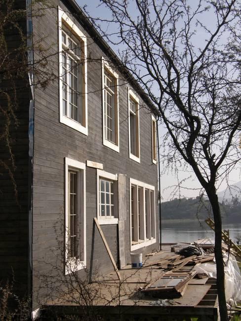 DISEÑO DE CASA EN PELEQUÉN: Casas de estilo  por Dušan Marinković - Arquitectura - Santiago