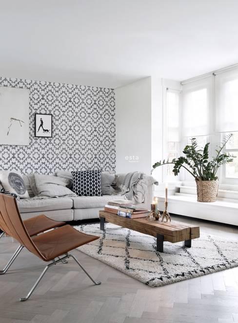 krijtverf eco texture vliesbehang aztec marrakech ibiza tapijt zwart en mat wit:  Muren & vloeren door ESTAhome.nl