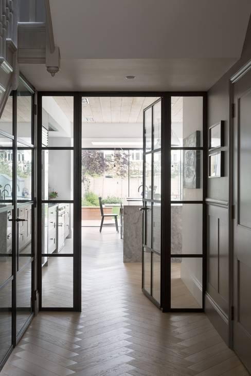 Fraher Architects Ltdが手掛けた廊下 & 玄関