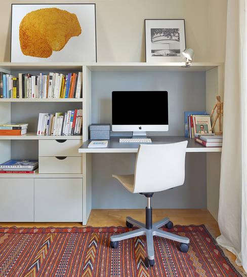 Ruang Kerja by THE ROOM & CO interiorismo