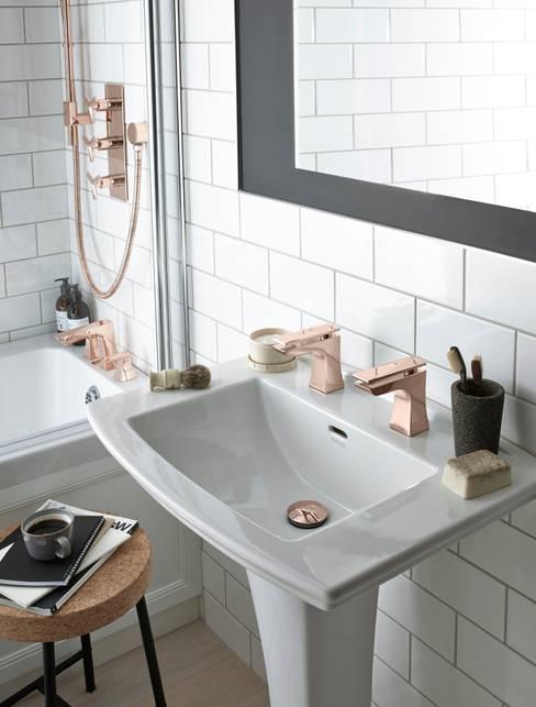 Bathroom by Heritage Bathrooms