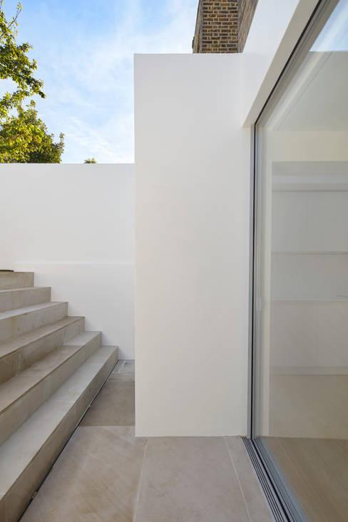 Rumah by Sophie Nguyen Architects Ltd