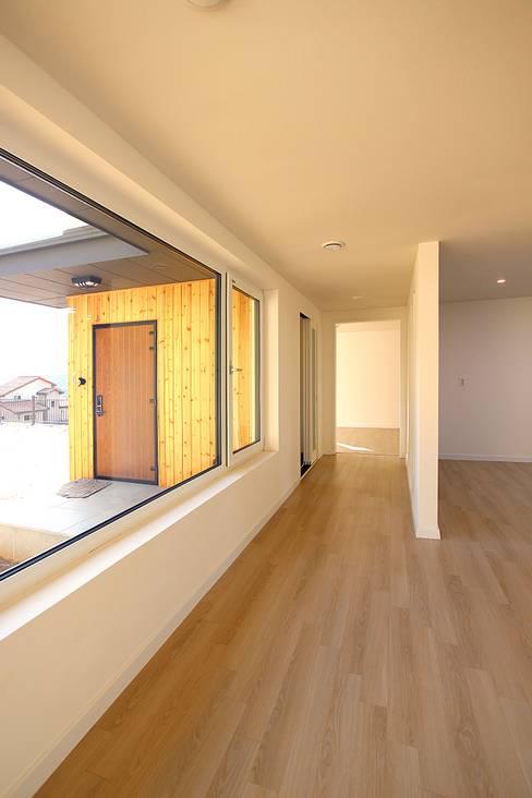 Living room by 로이하우스