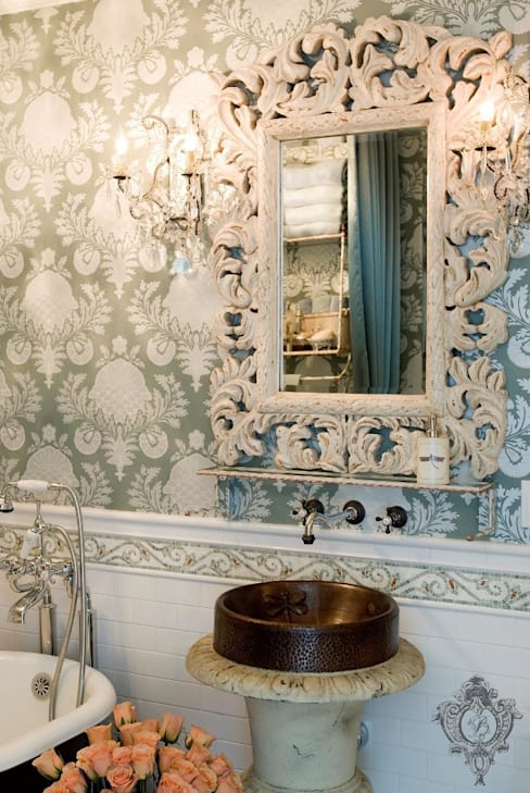 Bathroom:  Bathroom by Kellie Burke Interiors