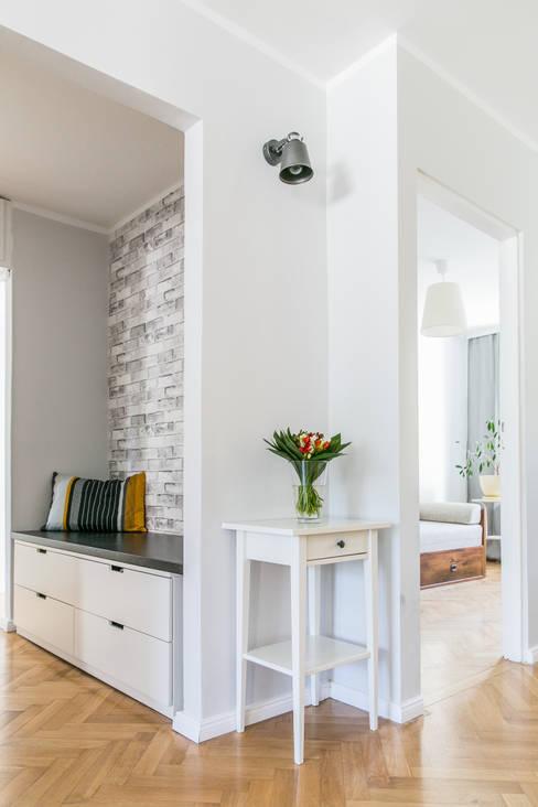 الممر والمدخل تنفيذ IDeALS | interior design and living store