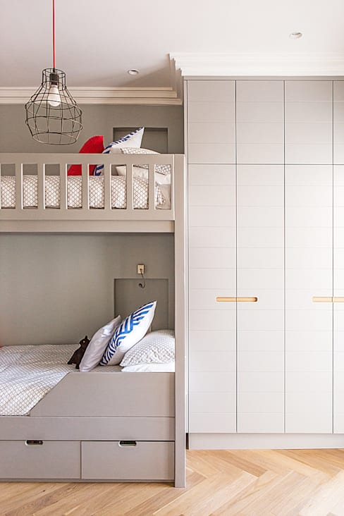 ALTERATION FRESNAYE, CAPE TOWN:  Bedroom by Grobler Architects