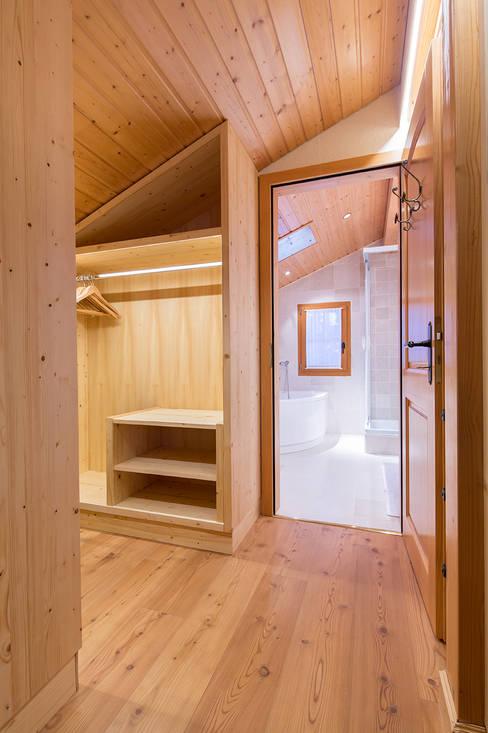 Гардеробные в . Автор – Prestige Architects By Marco Braghiroli