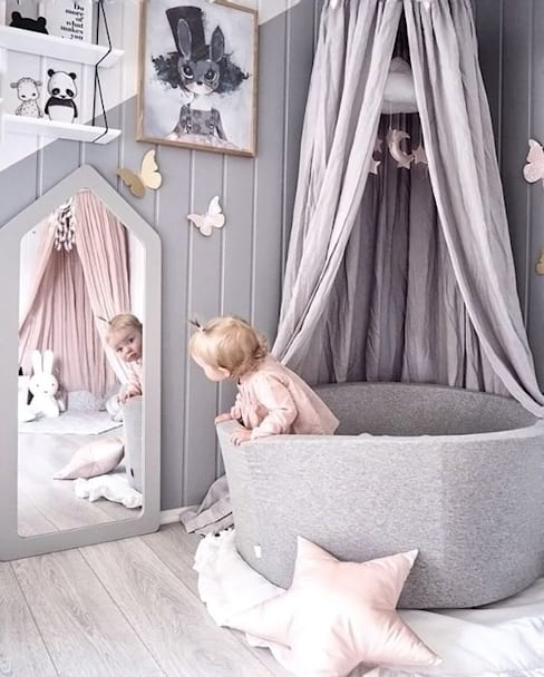 Nursery/kid's room by Vero Capotosto