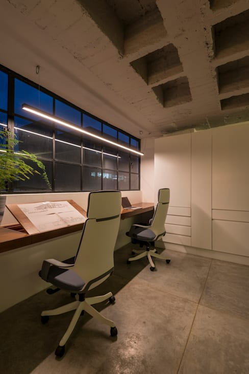 Study/office by HDA: ARQUITECTURA BIOCLIMATICA