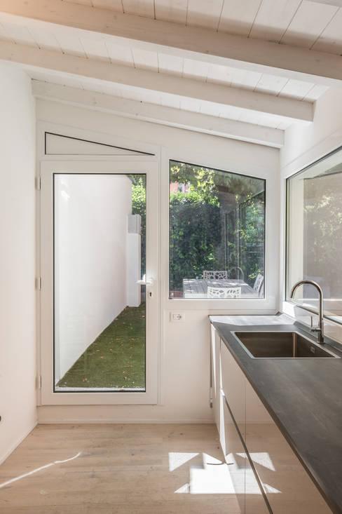 Kitchen by Biondi Architetti