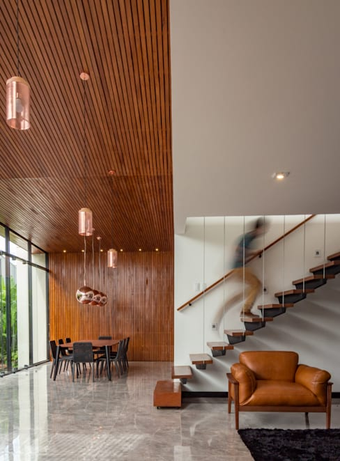 Corridor & hallway by Estúdio HAA!