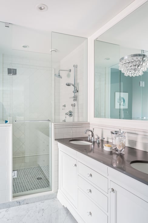 Master Ensuite:  Bathroom by Frahm Interiors