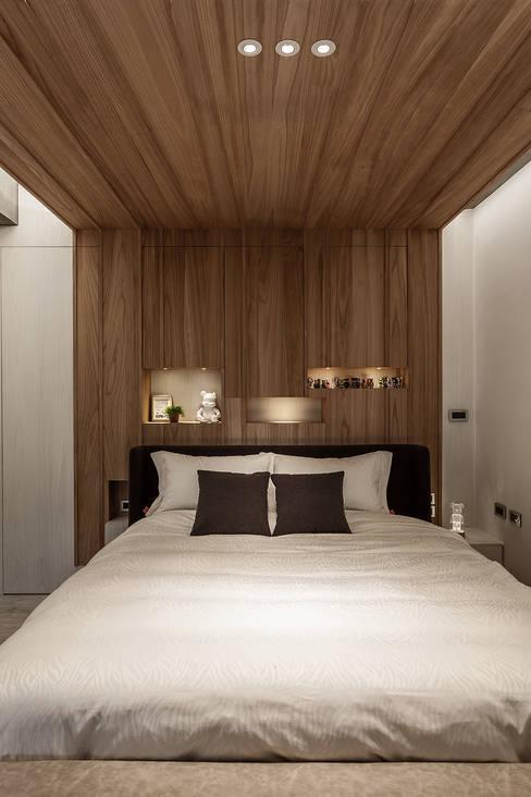 Bedroom by 漢玥室內設計