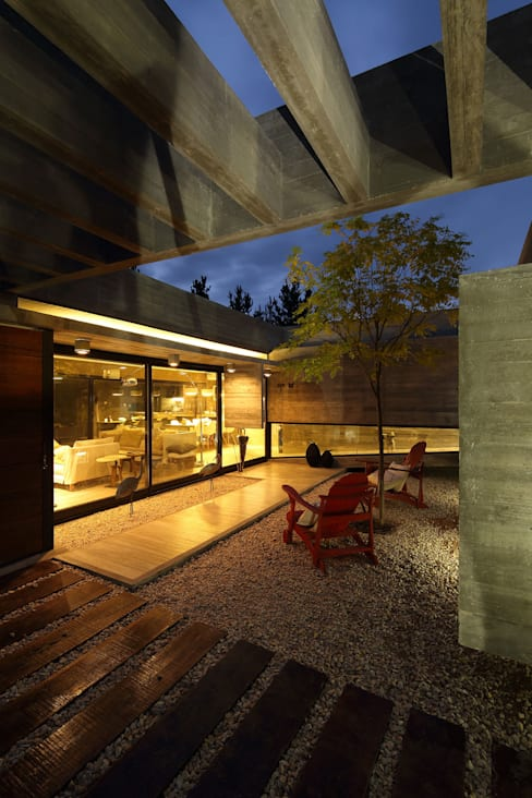 房子 by Besonías Almeida arquitectos