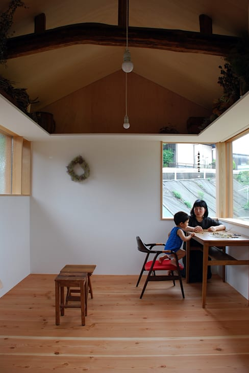 ห้องทำงาน/อ่านหนังสือ by 丸菱建築計画事務所 MALUBISHI ARCHITECTS