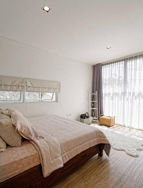 غرفة نوم تنفيذ Công ty TNHH Thiết Kế Xây Dựng Song Phát