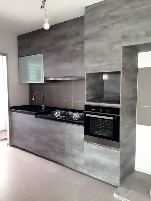 Kitchen by Fresh Look Interior Design