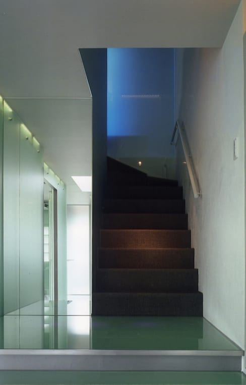 名古屋丘の上、フェラーリに憧れクールに住まう House in Urban Setting 02: JWA,Jun Watanabe & Associatesが手掛けたです。
