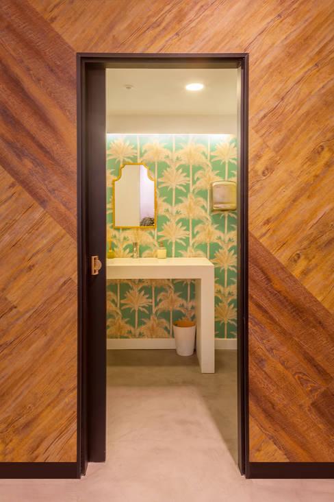 حمام تنفيذ LaBoqueria Taller d'Arquitectura i Disseny Industrial