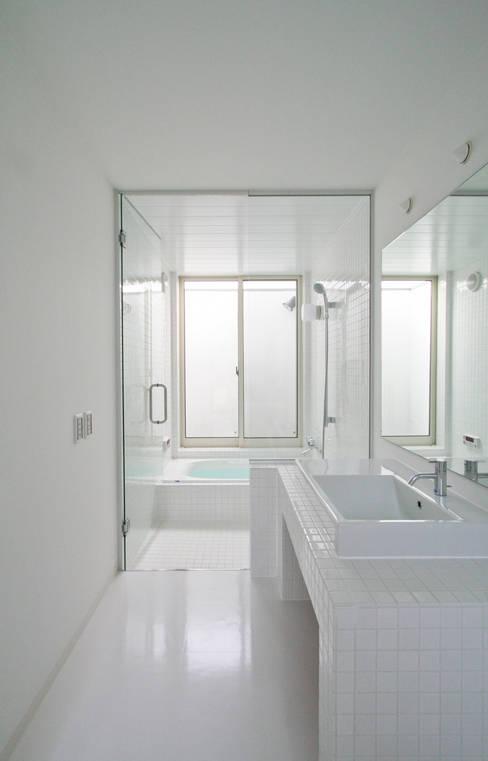 Ванные комнаты в . Автор – 石川淳建築設計事務所