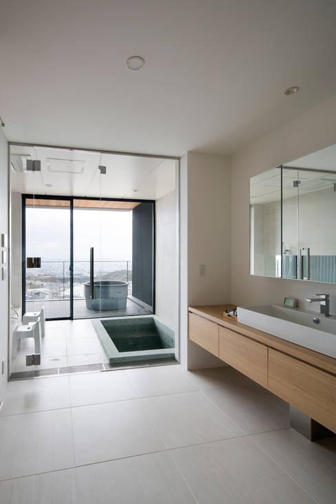 Ванные комнаты в . Автор – ARCHIXXX眞野サトル建築デザイン室