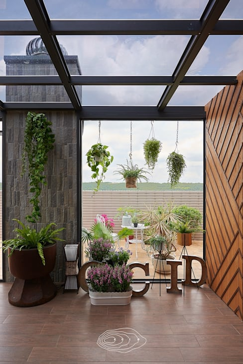 بلكونة أو شرفة تنفيذ 層層室內裝修設計有限公司