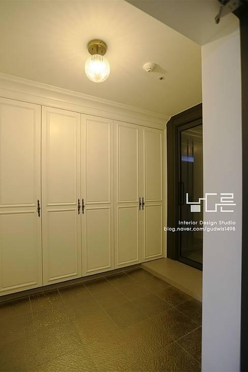 Corridor & hallway by 남다른디자인