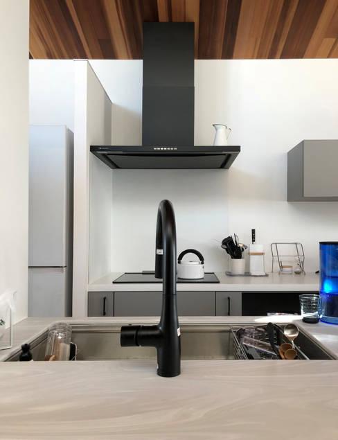 Kitchen by yuukistyle 友紀建築工房