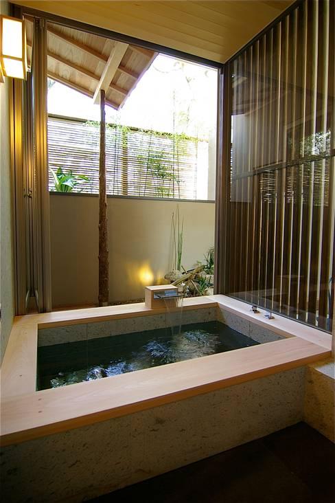 浴室 by Sデザイン設計一級建築士事務所
