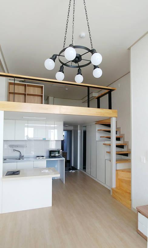Cocinas de estilo  por 건축사사무소 지음