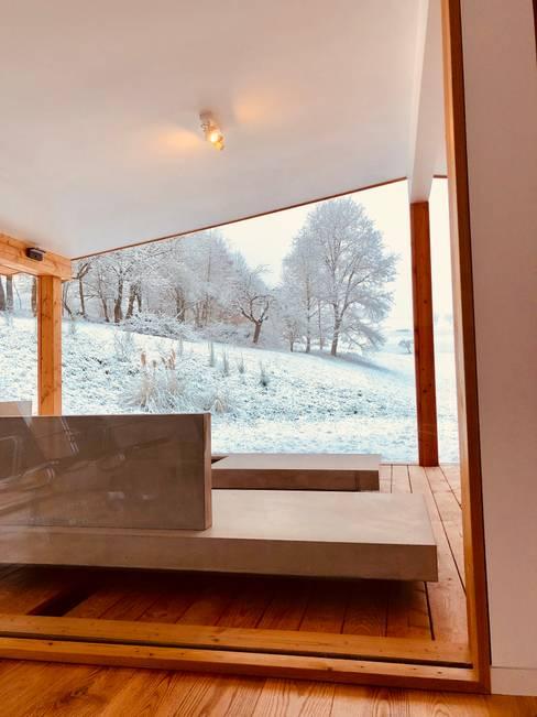 Terrasse de style  par Karl Kaffenberger Architektur   Einrichtung