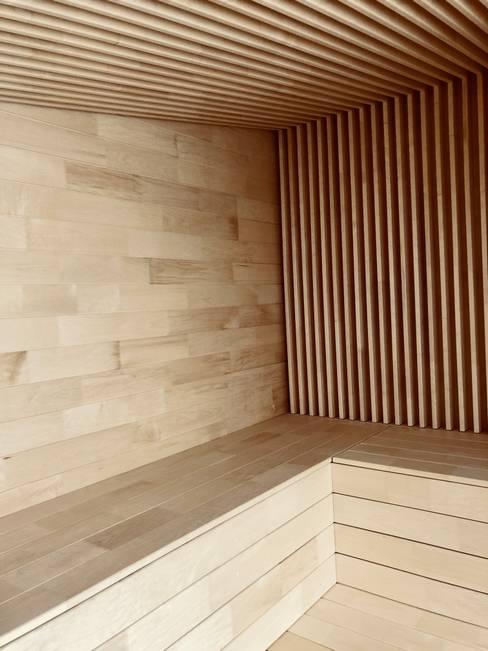 Sauna de style  par Karl Kaffenberger Architektur   Einrichtung