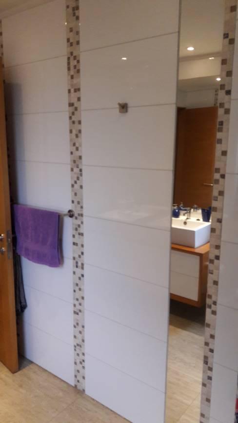 Muebles de Baño por SIMPLEMENTE AMBIENTE: Baños de estilo  por SIMPLEMENTE AMBIENTE mobiliarios hogar y oficinas santiago