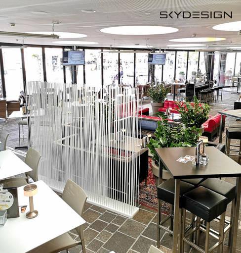 Comedor de estilo  por www.skydesign.news - Raumteiler aus Berlin