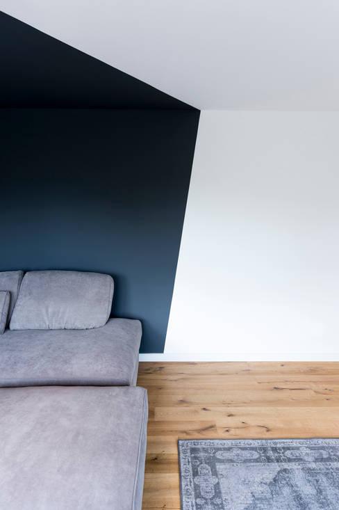 Salas / recibidores de estilo  por hysenbergh GmbH | Raumkonzepte Duesseldorf
