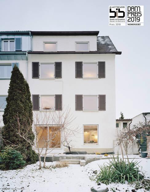 AMUNT Architekten in Stuttgart und Aachen의  테라스 주택