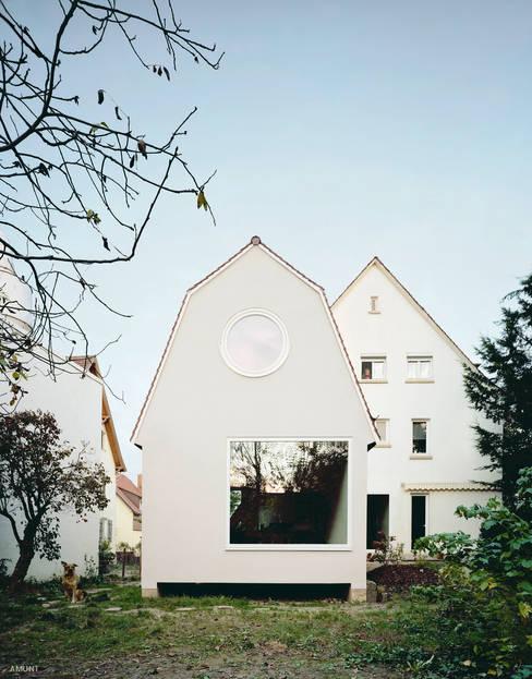 Casas pequeñas de estilo  por AMUNT Architekten in Stuttgart und Aachen