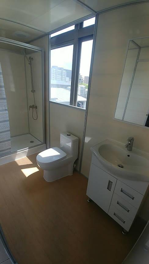 可移動式的衛浴間:  衛浴 by 以恩設計