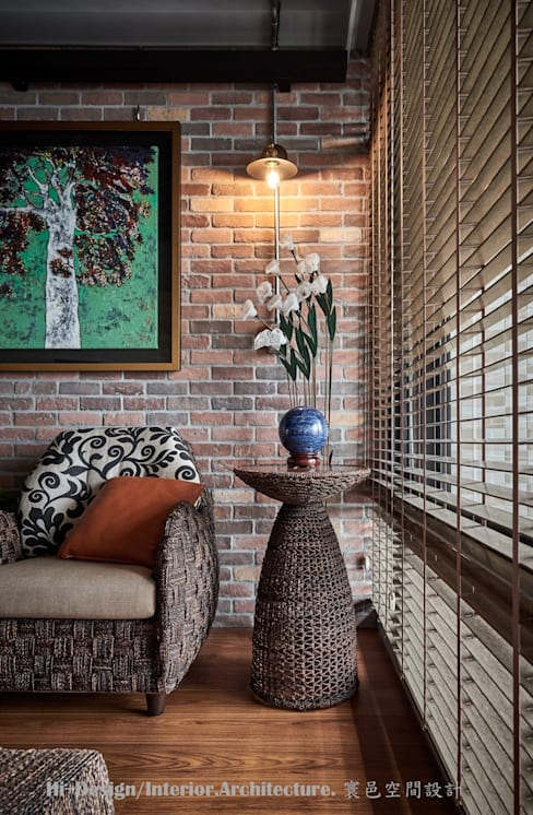 客廳一角:  客廳 by Hi+Design/Interior.Architecture. 寰邑空間設計