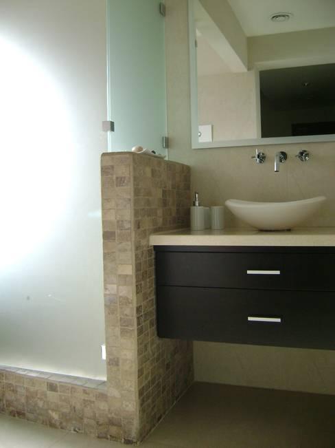 Bathroom by Fabiana Ordoqui  Arquitectura y Diseño.   Rosario | Funes |Roldán