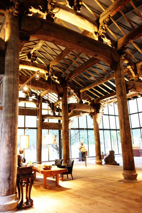 古建築保護工程:  室內景觀 by 台中室內建築師|利程室內外裝飾 LICHENG