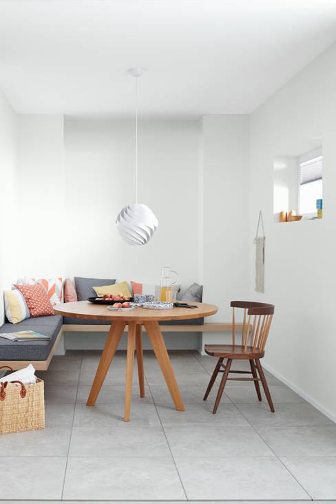 Dining room by SCHÖNER WOHNEN-FARBE