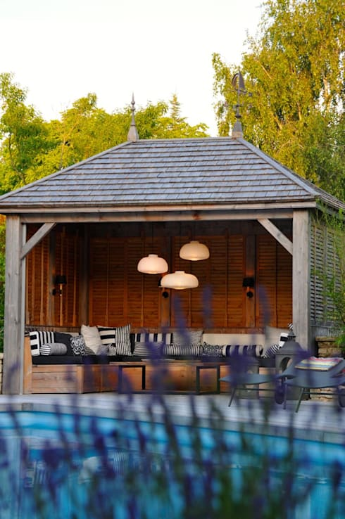 Une piscine paysag e by jardin au carr homify for Piscine paysagee