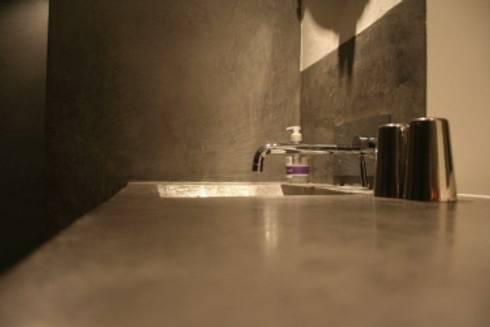 m bel in betonoptik von fugenlose mineralische b den und. Black Bedroom Furniture Sets. Home Design Ideas