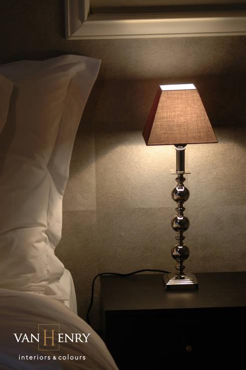 """Wohnung """"New York"""": klassische Schlafzimmer von vanHenry interiors & colours"""